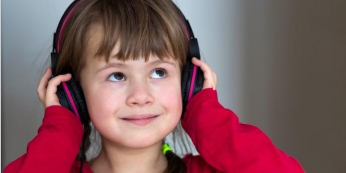 Bienvenue à Abracadaparc : Un podcast pour aider les enfants à appréhender leurs émotions