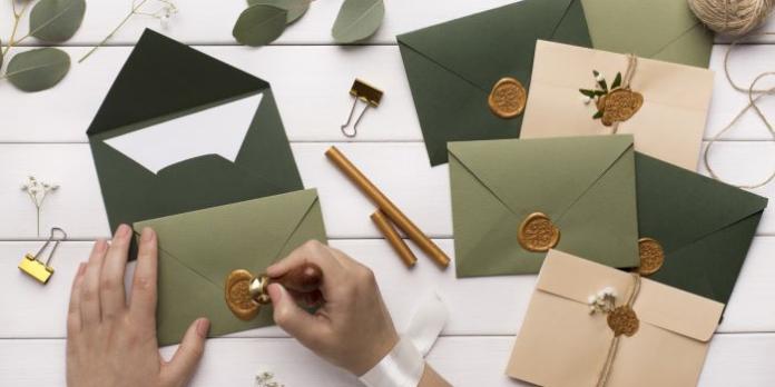 L'enveloppe, incontournable écrin du courrier